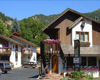 Starlight Lodge - Glenwood Springs