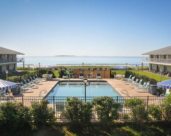 Friendship Oceanfront Suites - Old Orchard Beach - Pool
