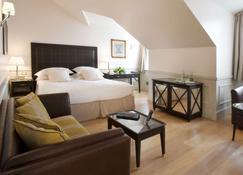 Grand Hotel Sitea - Turim - Quarto