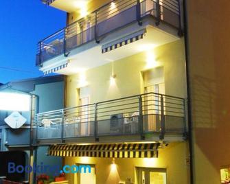 Residence Helene - Tortoreto - Building