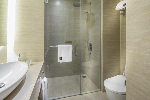 哈里斯沃途和諧酒店 - 雅加達 - 浴室