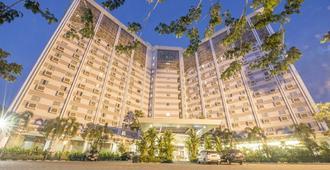 Syariah Hotel Solo - סורקטה - בניין