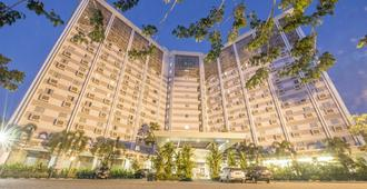 Syariah Hotel Solo - סורקטה