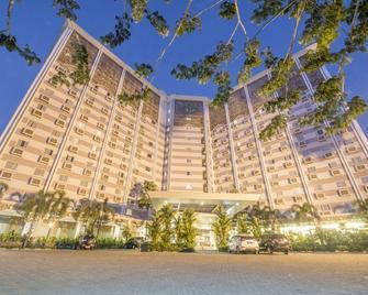 Syariah Hotel Solo - Surakarta City - Building