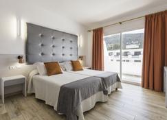 أواسيز سا تانكا - بلدية سانتا إيولاليا ديل ريو - غرفة نوم
