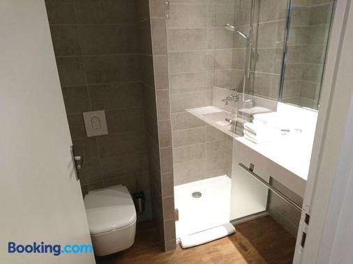勒芒 H24 飯店 - 勒芒 - 浴室