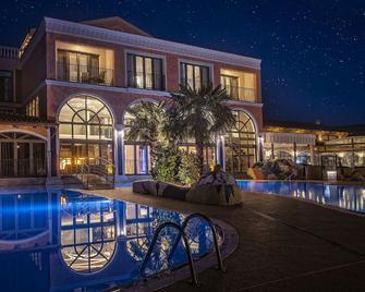 Villa Plaza Boutique Hotel & Spa - Prešov - Pool