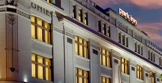 Park Inn Prague - Prague - Building