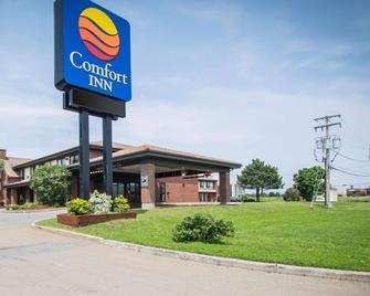 Comfort Inn Airport East - L'Ancienne-Lorette - Building