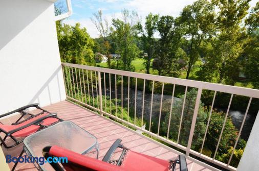Rivergate Mountain Lodge - Pigeon Forge - Balcony