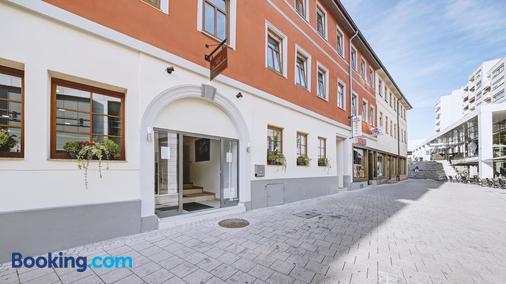 Boutique-Hotel Kronenstuben - Ludwigsburg - Building