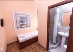 Matreshka Hotel - Moscow - Bathroom