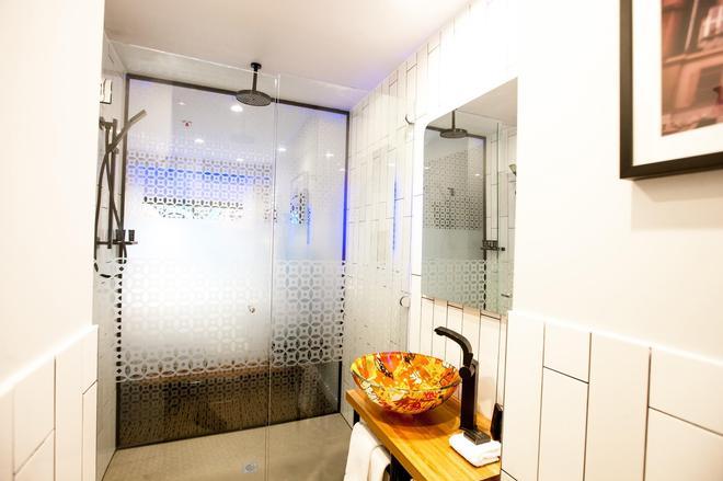 Tryp By Wyndham Fortitude Valley Hotel Brisbane - Brisbane - Phòng tắm