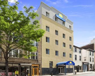 Days Inn by Wyndham Philadelphia Convention Center - Philadelphia - Building