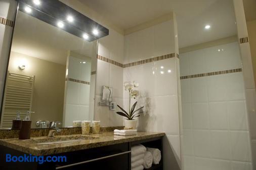 Hôtel Burgevin - Sully-sur-Loire - Bathroom