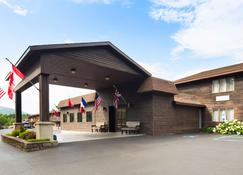 Best Western of Lake George - Lake George - Bygning