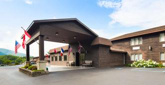 Best Western of Lake George - Lake George - Rakennus