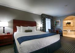 Best Western PLUS Marina Shores Hotel - Dana Point - Bedroom