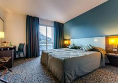Hotel Miramont - Lourdes - Bedroom