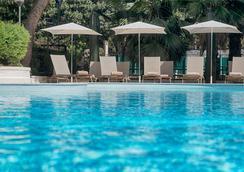 NH Palermo - Palermo - Bể bơi