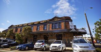 Annandale Hotel - Sydney - Building