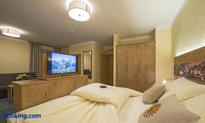 Hotel 3 Mohren - Oetz - Bedroom