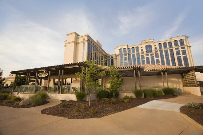 Belterra Casino Resort - Florence - Building