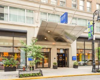 TRYP by Wyndham New York City Times Square South - New York - Building