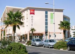 ibis Martigues - Martigues - Building