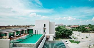 The Cavalli Casa Resort - Ayutthaya - Pool