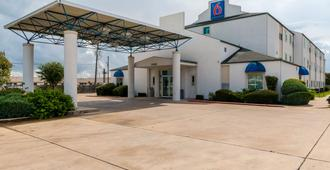 Motel 6 San Antonio South - San Antonio - Rakennus