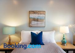 The Historic Broadlind Hotel at Long Beach Convention Center - Long Beach