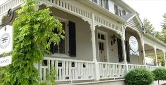 The Old Bank House Bed & Breakfast - Niagara-on-the-Lake - Toà nhà