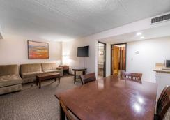 Comfort Inn and Suites Stapleton - Denver - Makuuhuone