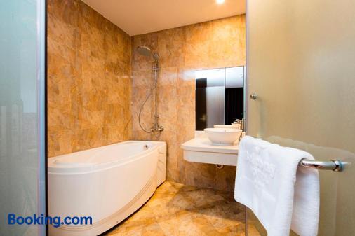 芽莊陽台酒店 - 芽莊 - 芽莊 - 浴室