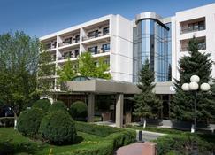 Hotel Dumbrava - Bacău - Gebouw