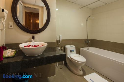 Hue Serene Palace Hotel - Huế - Bathroom