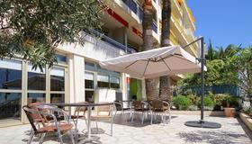 Aparthotel Adagio Nice Promenade des Anglais - Nice - Patio