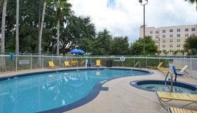 Fairfield Inn by Marriott Orlando Airport - Orlando - Pool