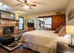Coles Bay Vacation Retreat - Sidney - Bedroom