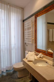 Siora Vittoria Boutique Hotel - Corfu - Bathroom