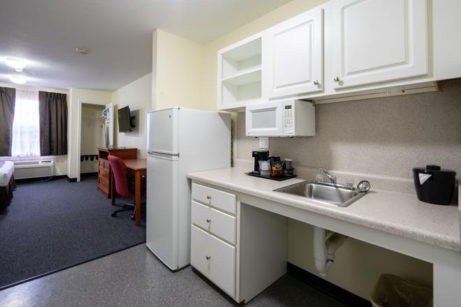 Suburban Extended Stay Hotel Westminster Denver North - Westminster - Phòng bếp