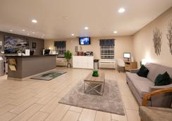 Suburban Extended Stay Hotel Westminster Denver North - Westminster - Hành lang