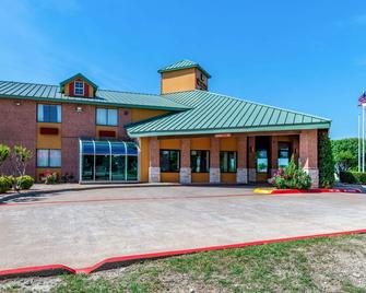 Quality Inn Allen - Plano East - Allen - Building