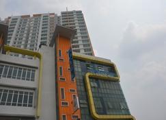 New Town Hotel Puchong - Puchong - Bina