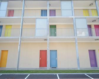 Studilodge - Central Fac - Bourg-en-Bresse - Gebouw