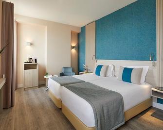 Hotel Faro - Faro - Quarto