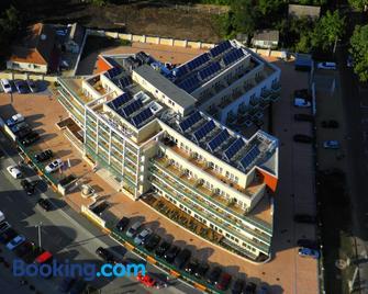 Hotel Atlantis - Hajduszoboszlo - Building