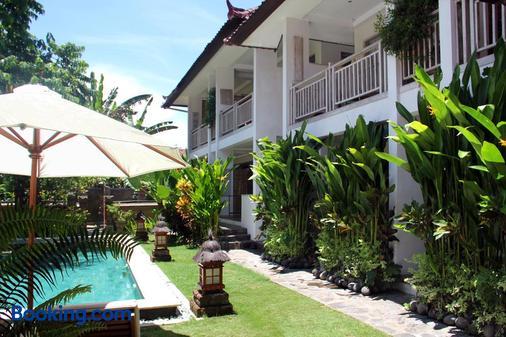 Papaya Guesthouse - North Kuta - Building