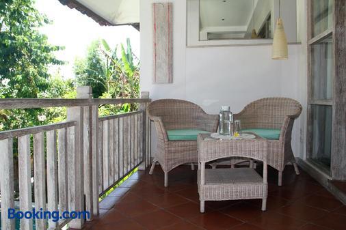 Papaya Guesthouse - North Kuta - Balcony